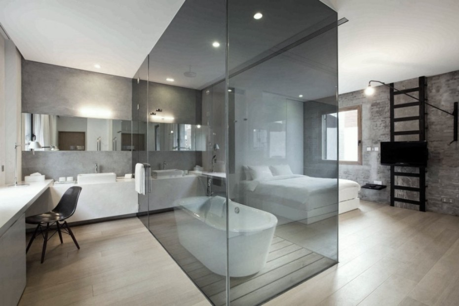Lieblich Bad Und Schlafraum · Bad Und Schlafzimmer · Beautiful Bathroom Glass Wall  Wood Flooring Black Chair Bathtub White Bedroom ...