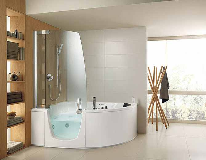 sitzbadewanne sitzwanne mit t r sitzwanne mit dusche my lovely bath magazin f r bad spa. Black Bedroom Furniture Sets. Home Design Ideas